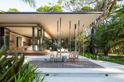Tropical-Beach-House-7