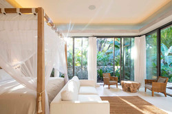 Tropical-Beach-House-12