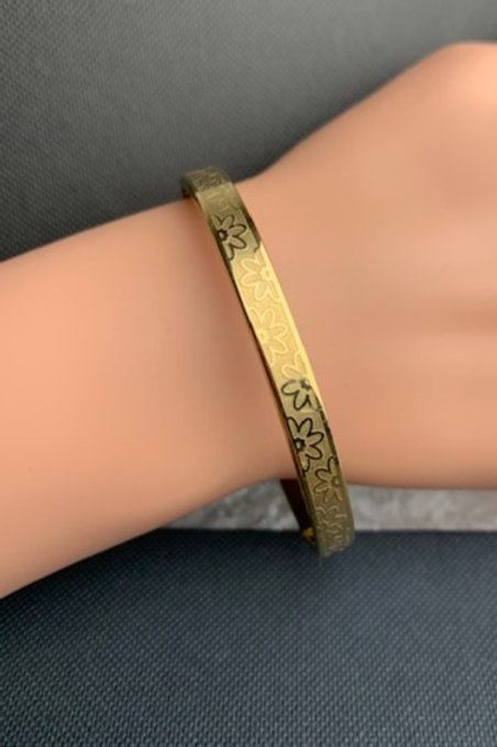 STAINLESS STEEL GOLDTONE MAGNETIC THERAPY BANGLE