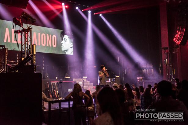 Gallery: Alex Aiono at The Fillmore Miami Beach 8-4-17