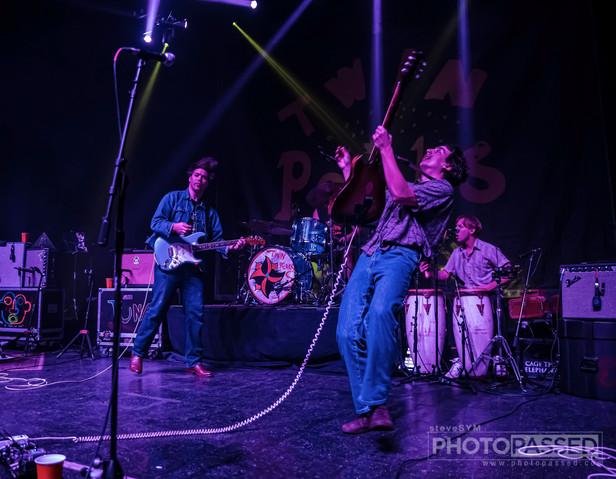 Twin Peaks | Riviera Theatre in Chicago