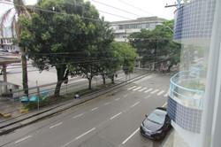 Em frente a rodoviária e avenida