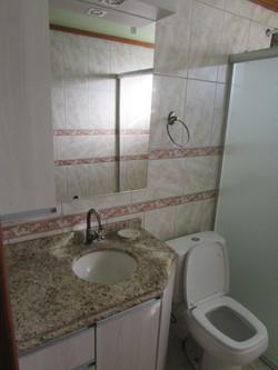 Banheiro mobiliado