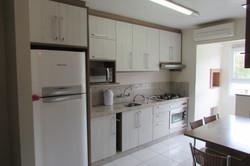 Cozinha toda mobiliada