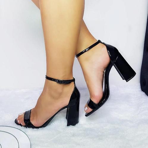 Sandália Preta verniz