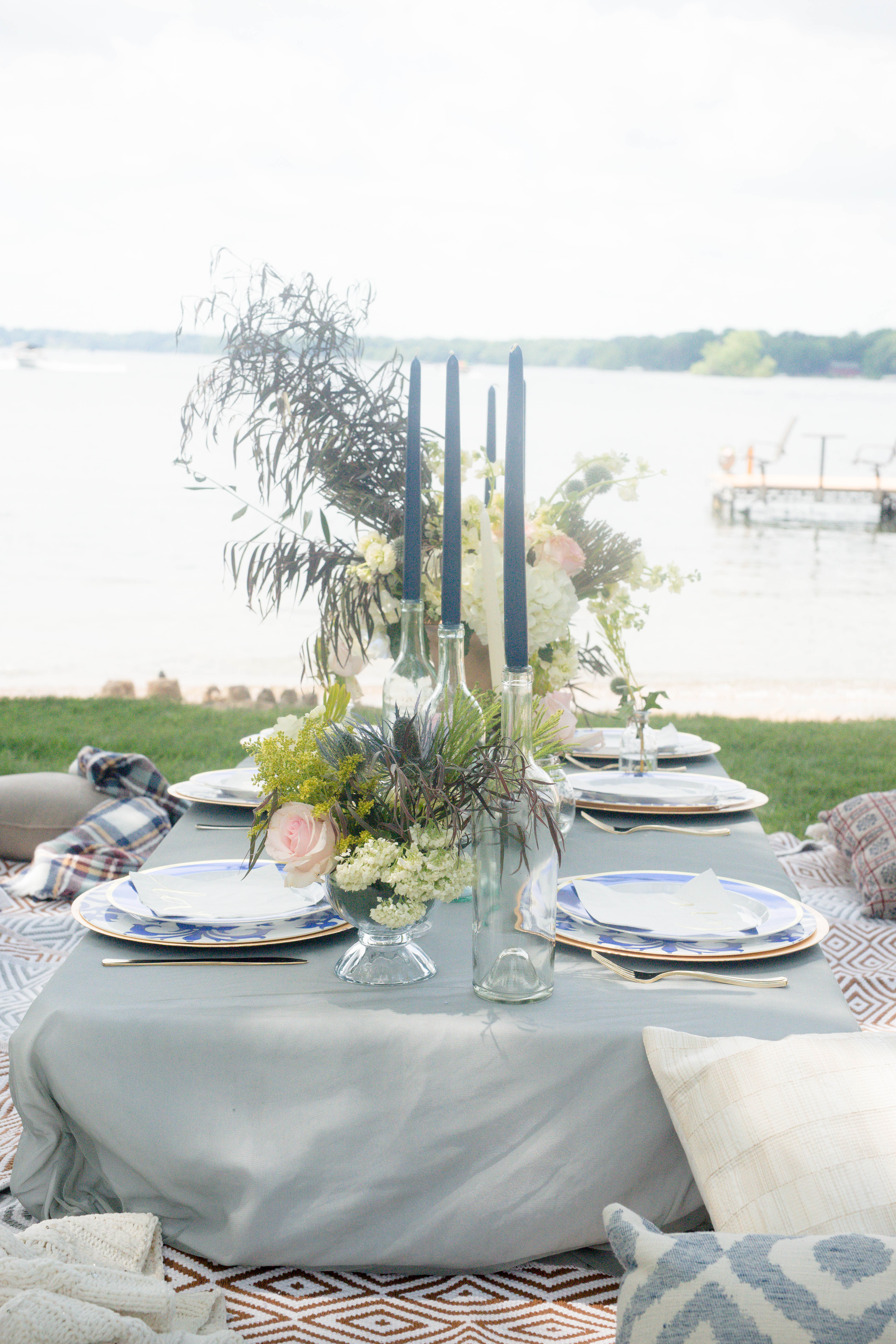 casual-color-of-the-year-table-wedding-party-inspiration-minneapolis-minnesota