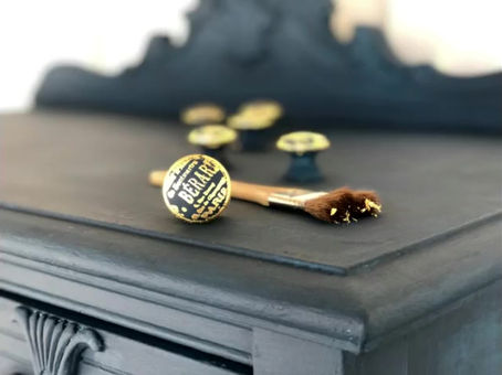 Gilded drawer knobs add interest