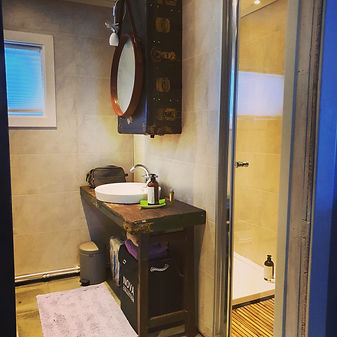 The bathroom of The Wolf Den Mountain ca