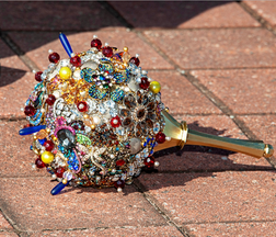 Brooch Bouquet Assorted Colors.png