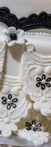 Details Matching Dress Wedding Cake