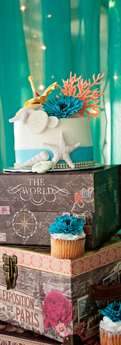 Travel Theme Wedding Cake & Cupcakes