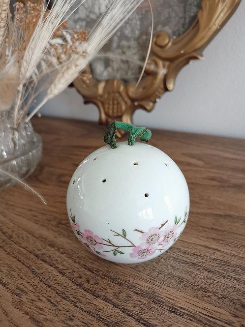 Boule en porcelaine pour le linge