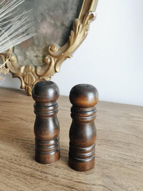 Petite salière /poivrière en bois