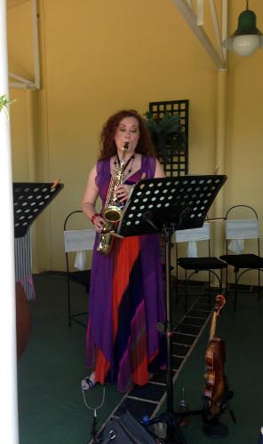 Heidi on saxophone