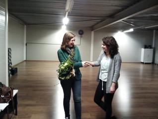 Mariska draagt dansgroepen over aan Yara