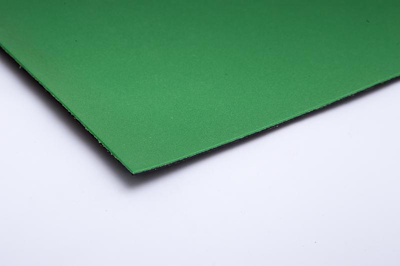 FPP geomembrana s steklenimi vlakni