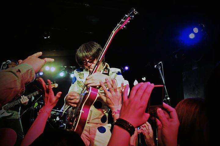 Facebook - THE 2・3'S Live @長野LIVE HOUSE J  盛り上がってました〜 楽しかったです! 予想通りの朝帰りですな。。。。  今回はライブ観戦目的っちゅう事で 仕事用