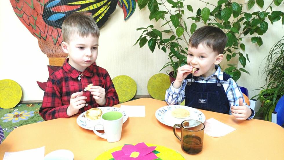 Святкування Масляної з дітьми у садочку