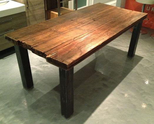 """""""Mariano"""" table"""