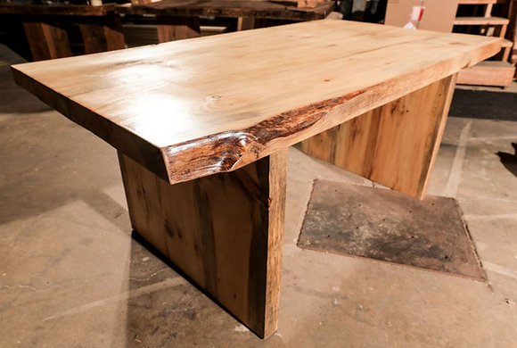 """Alexis"" table"