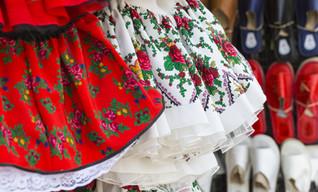 Folk Dancer Kleider