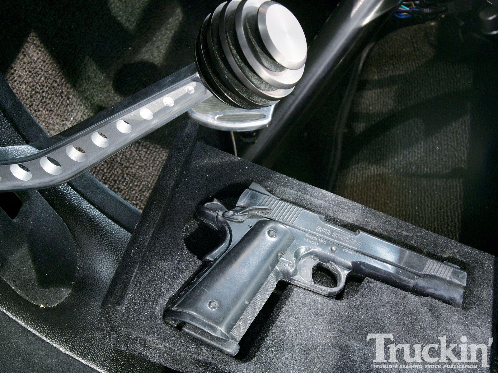 1010tr_10+1955_ford_f100+1911_45_pistol