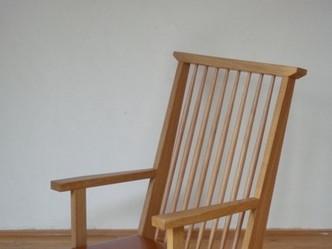 ナラ材の座椅子