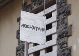 rockstarr logo2.png
