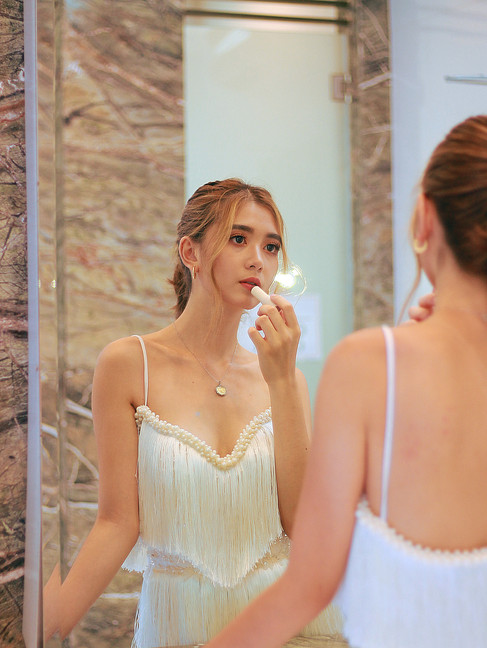 Wedding Dress | MIMI by Kathreen Cascabel  Model | Tash Costan  HMUA | BEAUTYBIBLIOTHEQUE by Colleen  Photo | Juliana Hellmuth  Assistance | Diego Pascual
