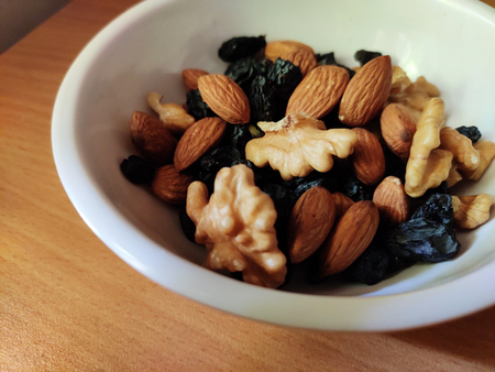 5 quick and easy granola recipes with dry fruits and nuts