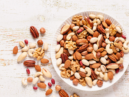 5 nuts and dry fruits that you should include in your diet
