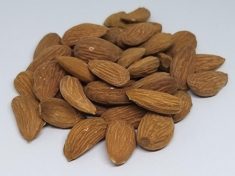 Kashmiri mamra kaaghzi almonds