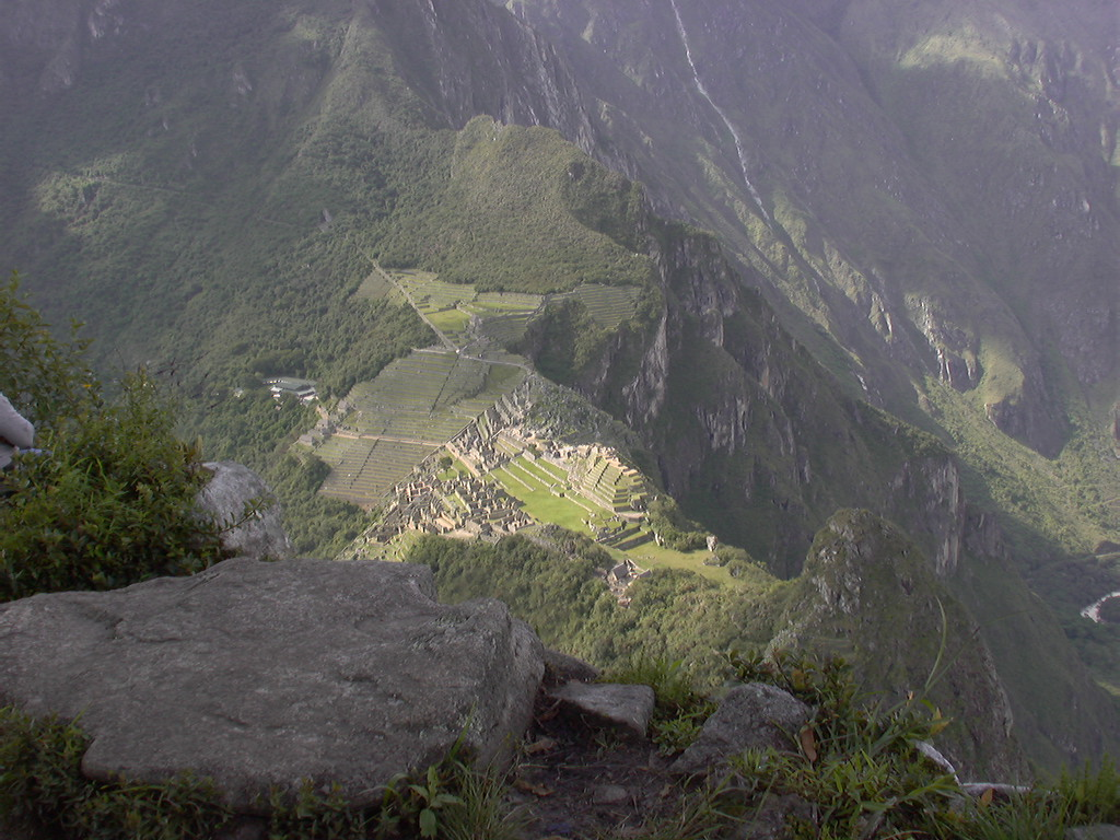 looking down from Wayna Picchu