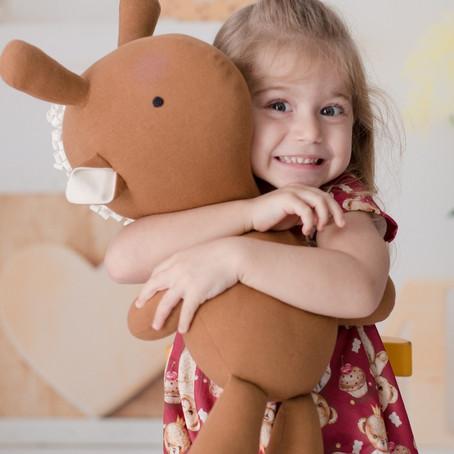 Estímulos sensoriais: tato e abraço