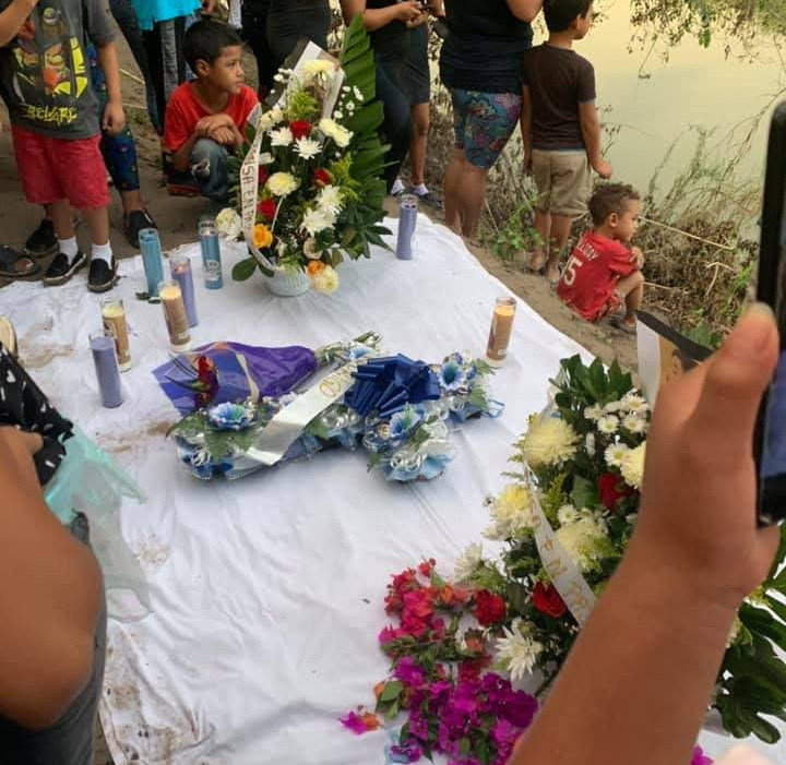 memorail for drowned migrant father and
