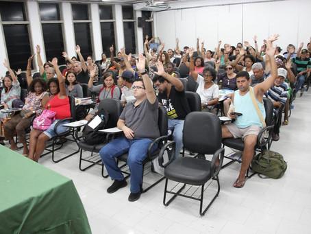 Assembleia aprova prestação de contas e protesto no CUV em defesa das 30 horas