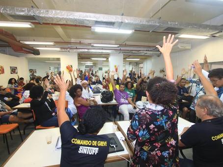 Assembleia decide por paralisação dia 13 e estado de greve
