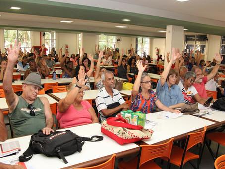 Assembleia aprova indicativo de greve e paralisação no dia 19