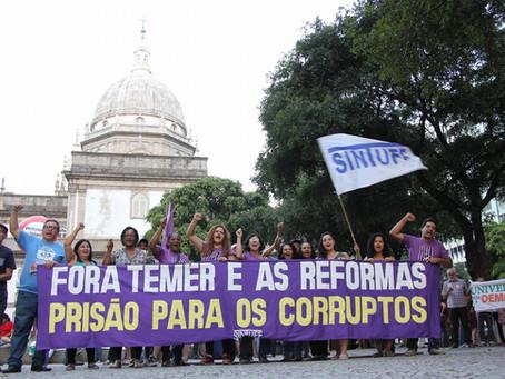 Paralisação tem grande adesão na UFF e ato percorre o Centro do Rio