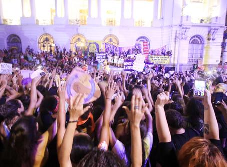 8M - Dia Internacional da Mulher ocupa as ruas com multidões
