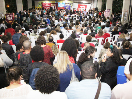 Assembleia Comunitária lotada aprova calendário de lutas