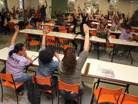 Assembleia aprova adesão à Greve Nacional da Educação e paralisação nos dias 2 e 3 de outubro