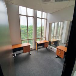 Semi-furnish office