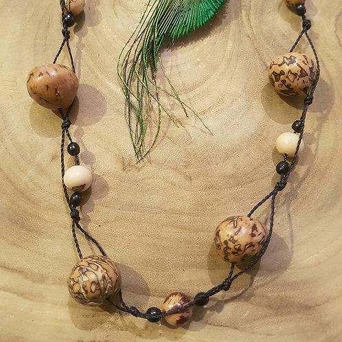 Collier en graines végétales Paxiubao et Açaï