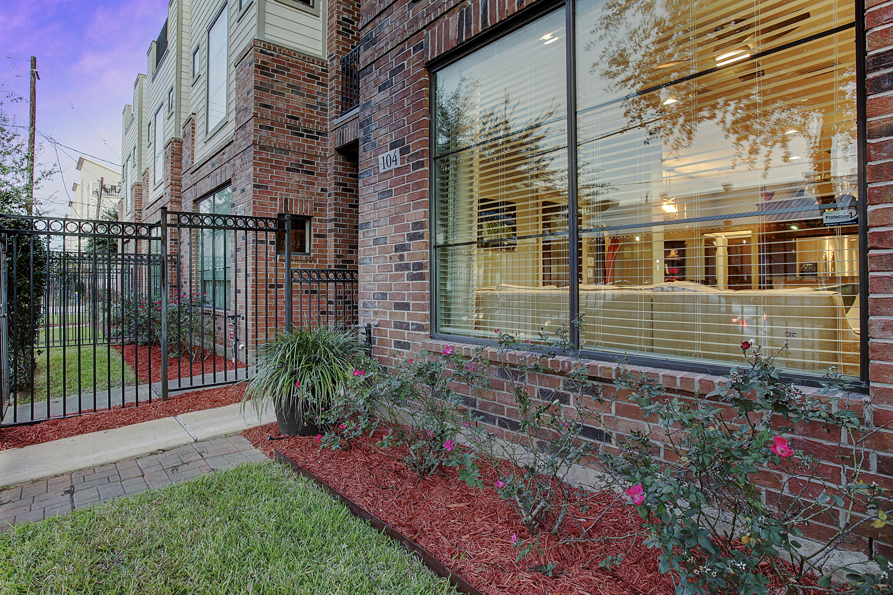 2504 Rusk - Green Space