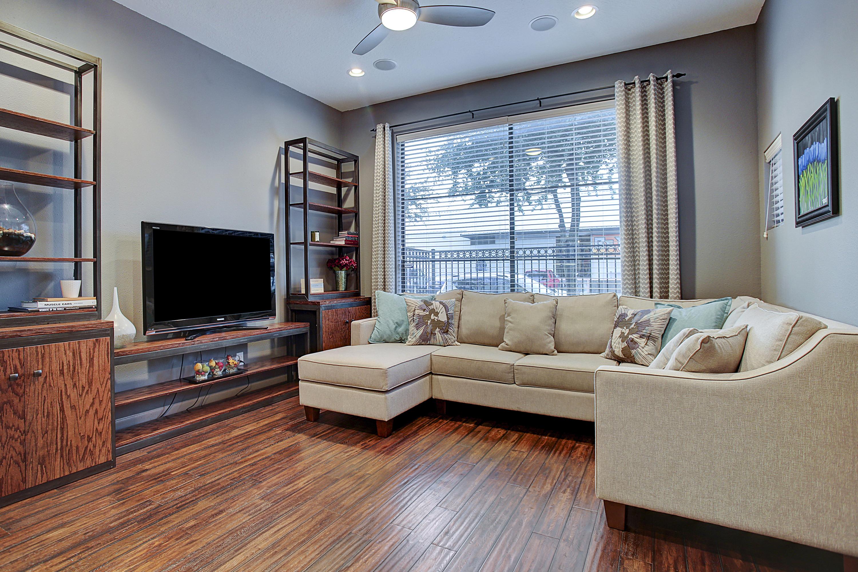 2504 Rusk - Living Area