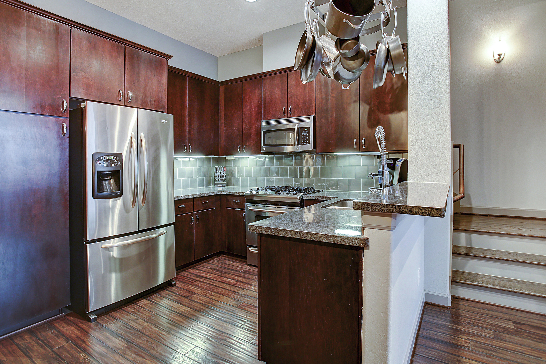 2504 Rusk - Kitchen