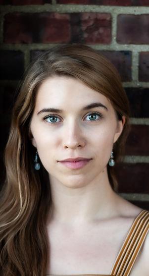 Emma Sniegowski headshot