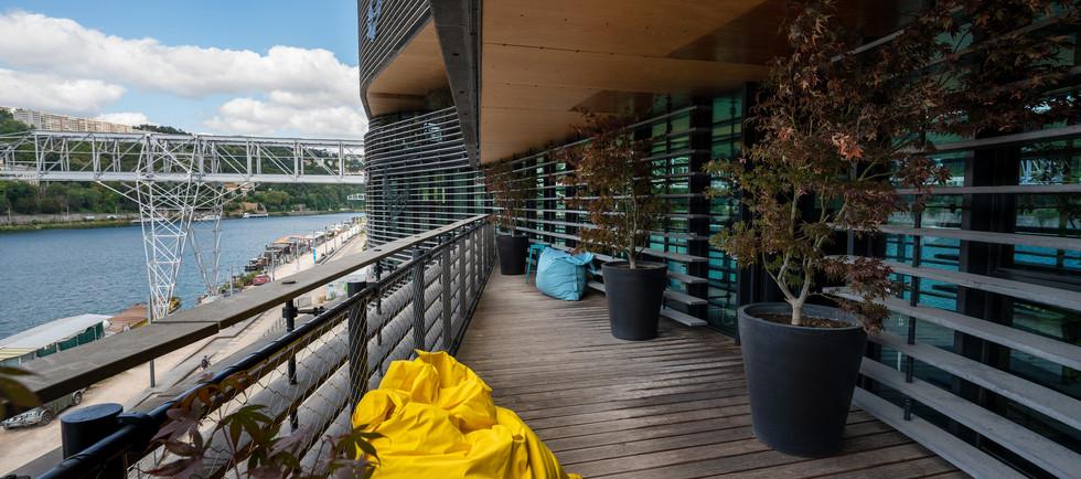 Rokoriko Basic - salle de reunion a Lyon - terrasse