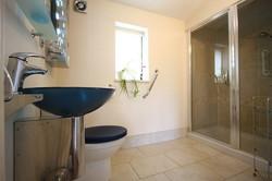 wilson-cottage-bathroom